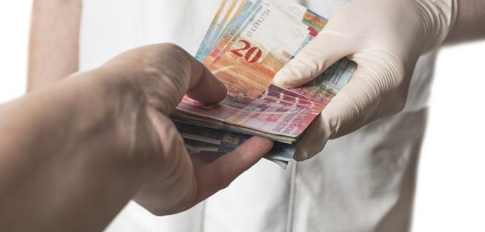 Wie unterscheiden sich Krankenkassen in der Schweiz vom deutschen Gesundheitssystem?