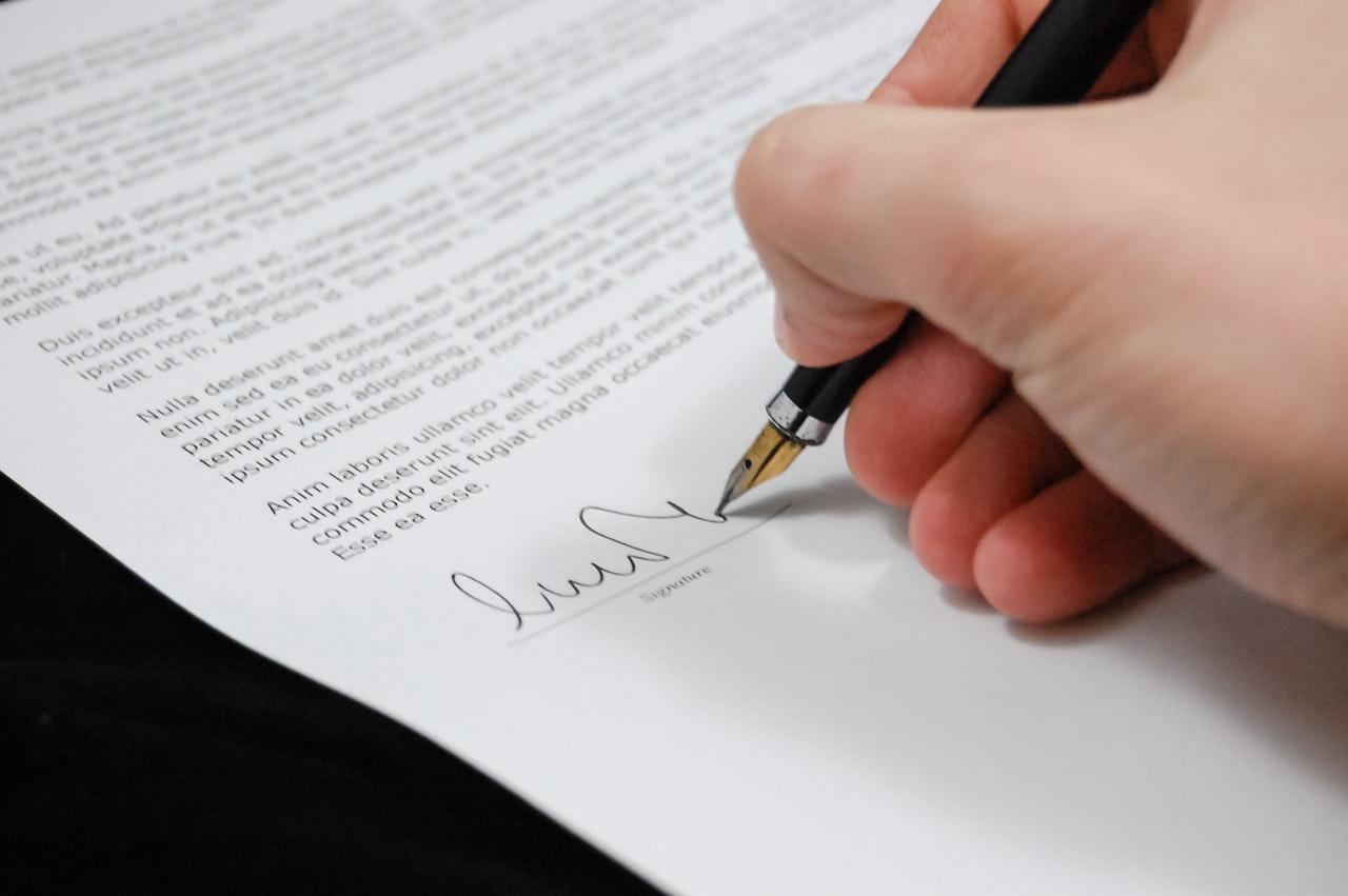 Warum Sollte Beim Geld Leihen Ein Vertrag Gemacht Werden
